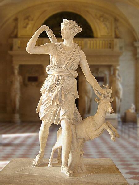 450px-Diane de Versailles Leochares 2